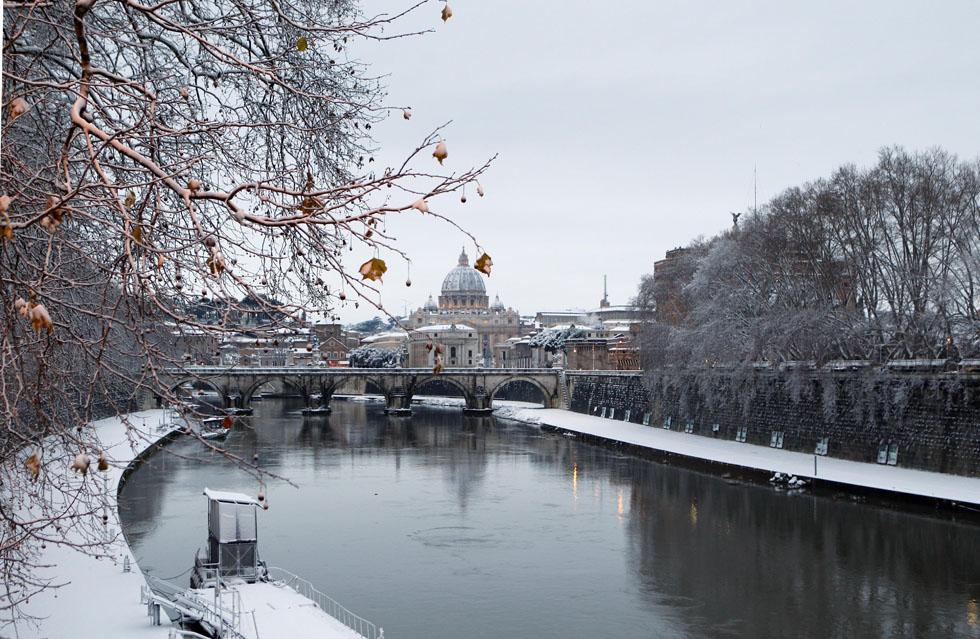 foto Roma sotto la neve 2012