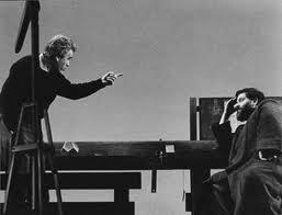 Giorgio Strehler e Tino Buazzelli nella preparazione dello spettacolo Vita di Galileo di B. Brecht