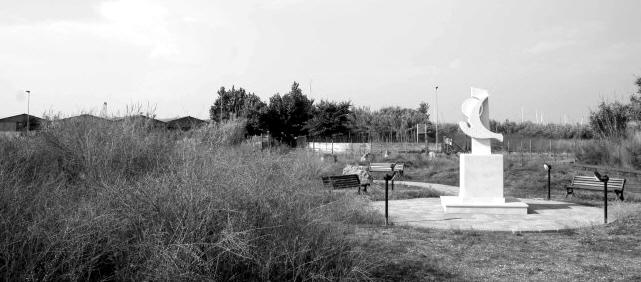 monumento dedicato a Pasolini a Ostia